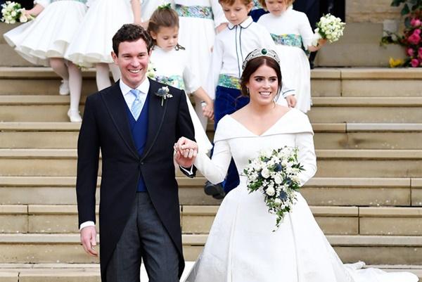 Chồng công chúa Anh lộ ảnh thân mật với người khác, dính nghi án ngoại tình khi vợ mới sinh 5 tháng-5