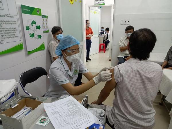 8 dấu hiệu chỉ điểm sau tiêm vắc xin Covid-19 bị phản vệ được chuyên gia khuyến cáo-2