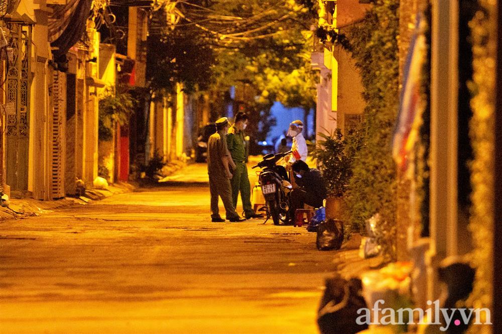 Hà Nội cách ly y tế toàn bộ ngõ 651 Minh Khai vì 20 ca dương tính SARS-CoV-2-4