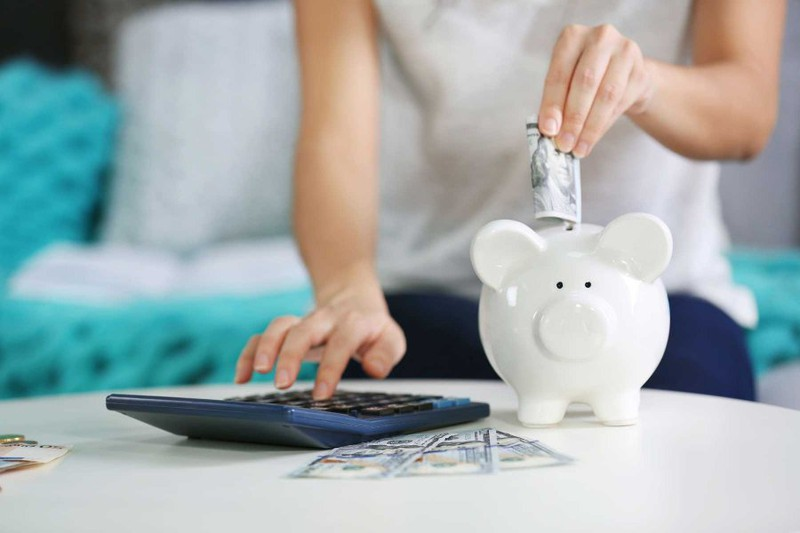 Bảy sai lầm tai hại khi tiết kiệm tiền mà nhiều người vẫn đang làm theo-1