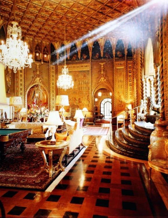 Cận cảnh biệt thự nguy nga nơi Donald Trump ở sau khi rời Nhà Trắng, riêng phòng khiêu vũ cũng được dát 7 triệu đô vàng lá-16