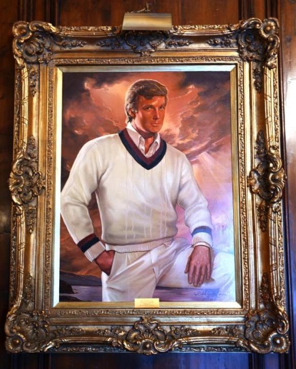 Cận cảnh biệt thự nguy nga nơi Donald Trump ở sau khi rời Nhà Trắng, riêng phòng khiêu vũ cũng được dát 7 triệu đô vàng lá-18