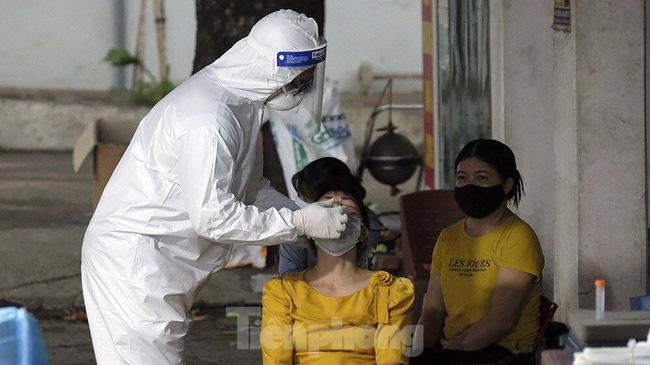 Hà Nội khẩn thiết đề nghị người ho, sốt, khó thở đi xét nghiệm SARS-CoV-2-1