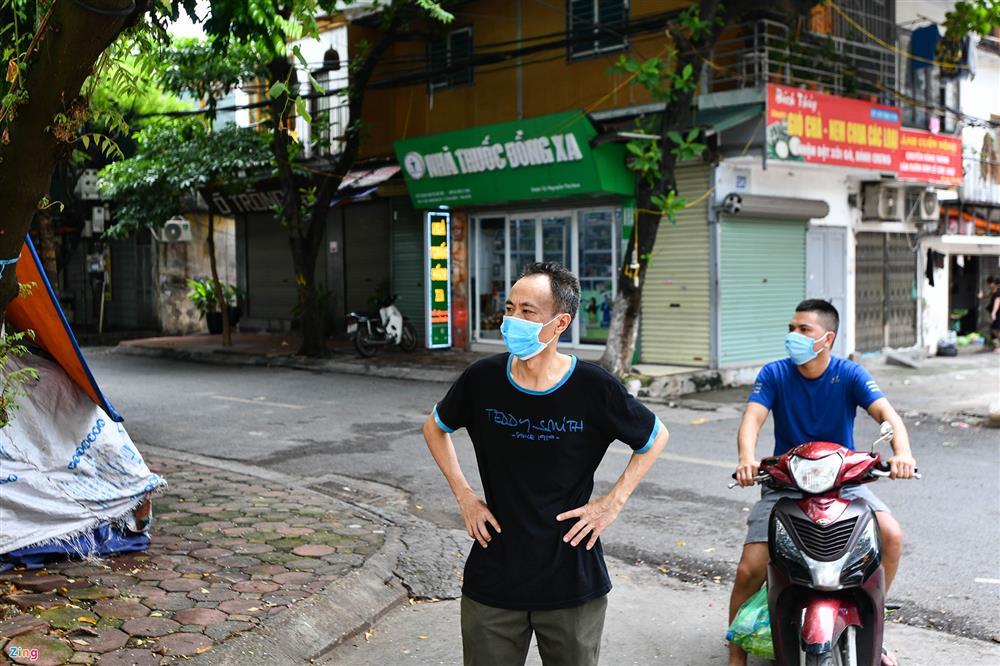 Nhiều chợ ở Hà Nội bị phong tỏa vì dịch Covid-19-10
