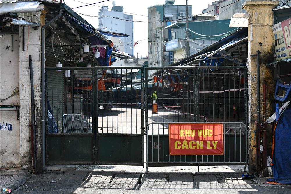 Nhiều chợ ở Hà Nội bị phong tỏa vì dịch Covid-19-11