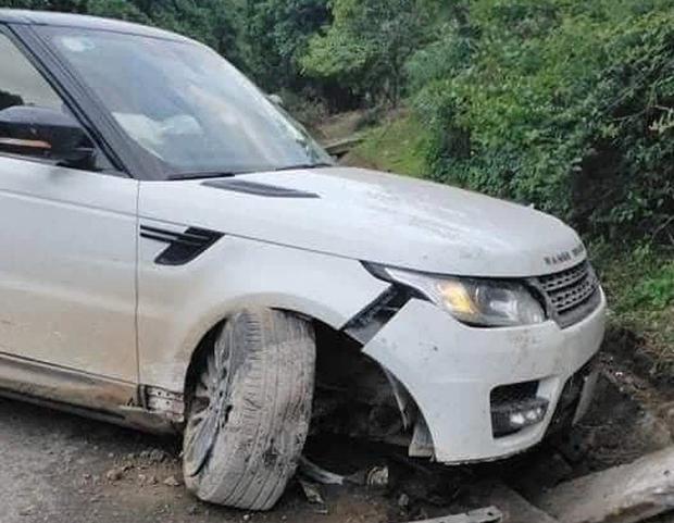 Giang hồ mạng Huấn Hoa Hồng lái xe Range Rover gặp nạn ở Yên Bái-3