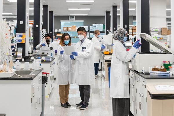 Vingroup nhận chuyển giao độc quyền công nghệ sản xuất vắc xin mRNA-1
