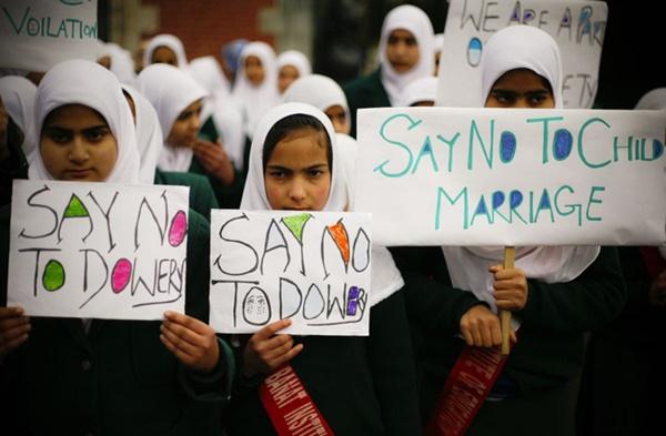 20 người phụ nữ chết mỗi ngày, bao gia đình tan nát ở Ấn Độ chỉ vì một tập tục đã bị cấm nửa thế kỷ-4