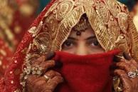 20 người phụ nữ chết mỗi ngày, bao gia đình tan nát ở Ấn Độ chỉ vì một tập tục đã bị cấm nửa thế kỷ