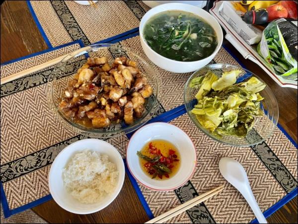 Sang Mỹ sống, Cao Thái Sơn càng chăm chỉ vào bếp nấu ăn, món nào cũngngon, đậm đà hương vị quê nhà-4