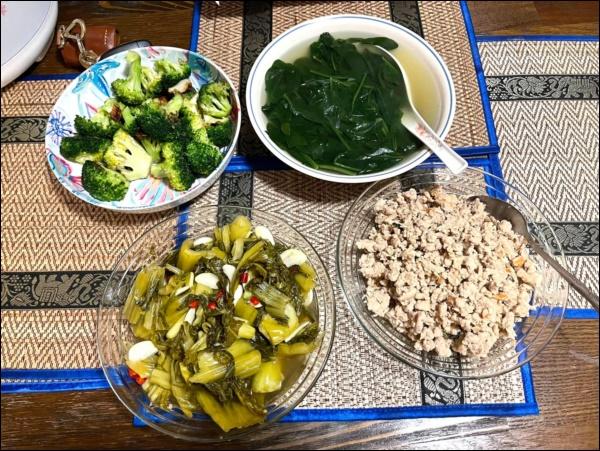 Sang Mỹ sống, Cao Thái Sơn càng chăm chỉ vào bếp nấu ăn, món nào cũngngon, đậm đà hương vị quê nhà-5