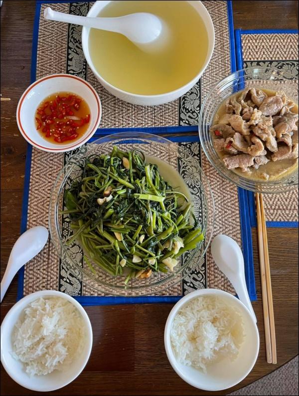 Sang Mỹ sống, Cao Thái Sơn càng chăm chỉ vào bếp nấu ăn, món nào cũngngon, đậm đà hương vị quê nhà-6