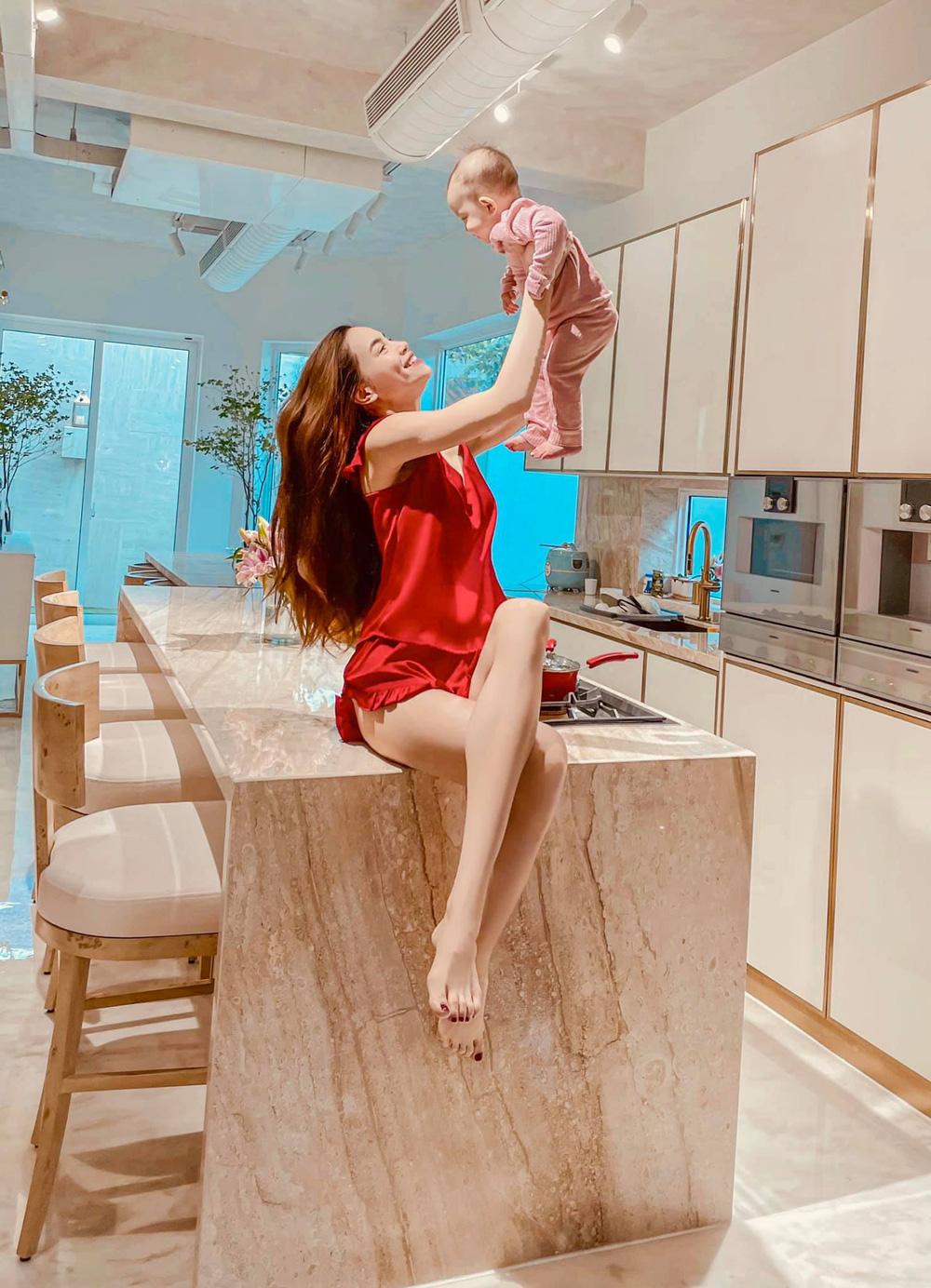 Cuộc sống của gia đình Hồ Ngọc Hà trong căn biệt thự 30 tỷ-6