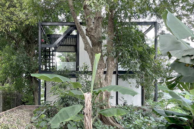 Ngôi nhà trong suốt bên bờ sông Đuống: Thay 75% tường bằng vách kính nhưng vẫn mát mẻ nhờ 3 thiết kế đặc biệt-3