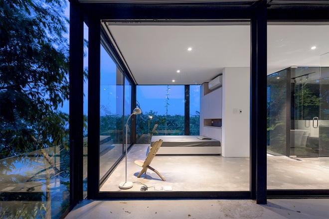 Ngôi nhà trong suốt bên bờ sông Đuống: Thay 75% tường bằng vách kính nhưng vẫn mát mẻ nhờ 3 thiết kế đặc biệt-8