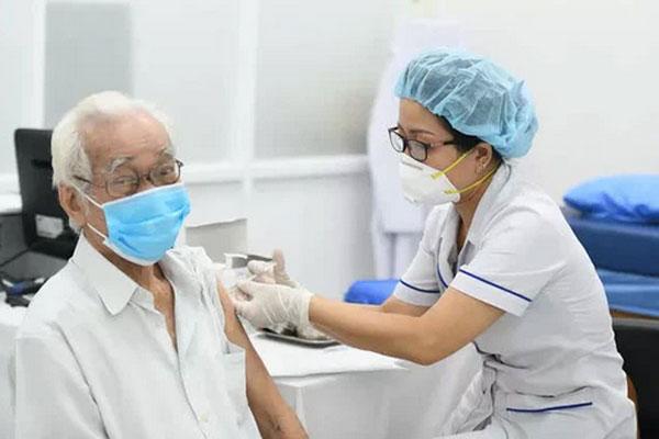 Không tiêm vắc-xin Moderna cho người đã tiêm mũi 1 AstraZeneca-1