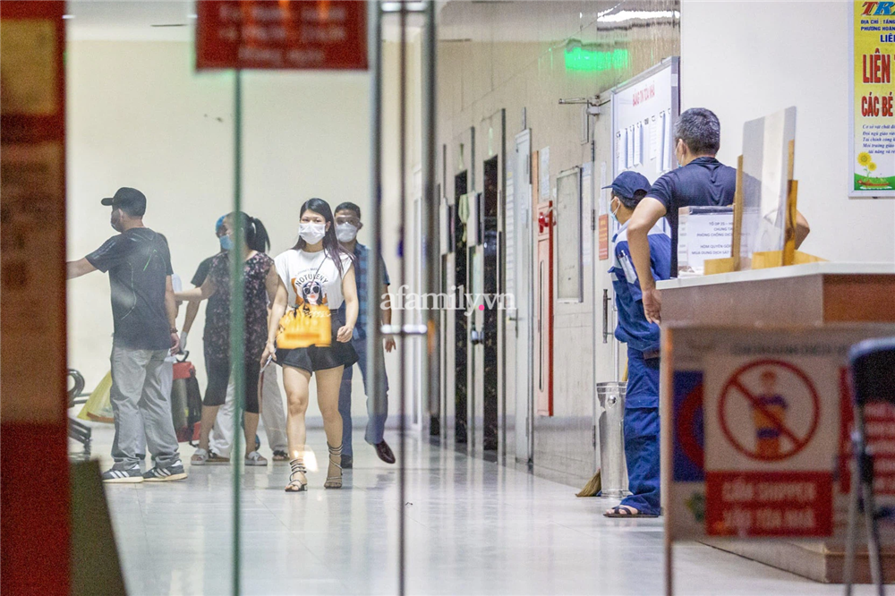 Bé gái 12 tuổi rơi từ tầng 12 chung cư HH Linh Đàm ở cùng mẹ và bố dượng, trước khi tử vong có để lại thư-1