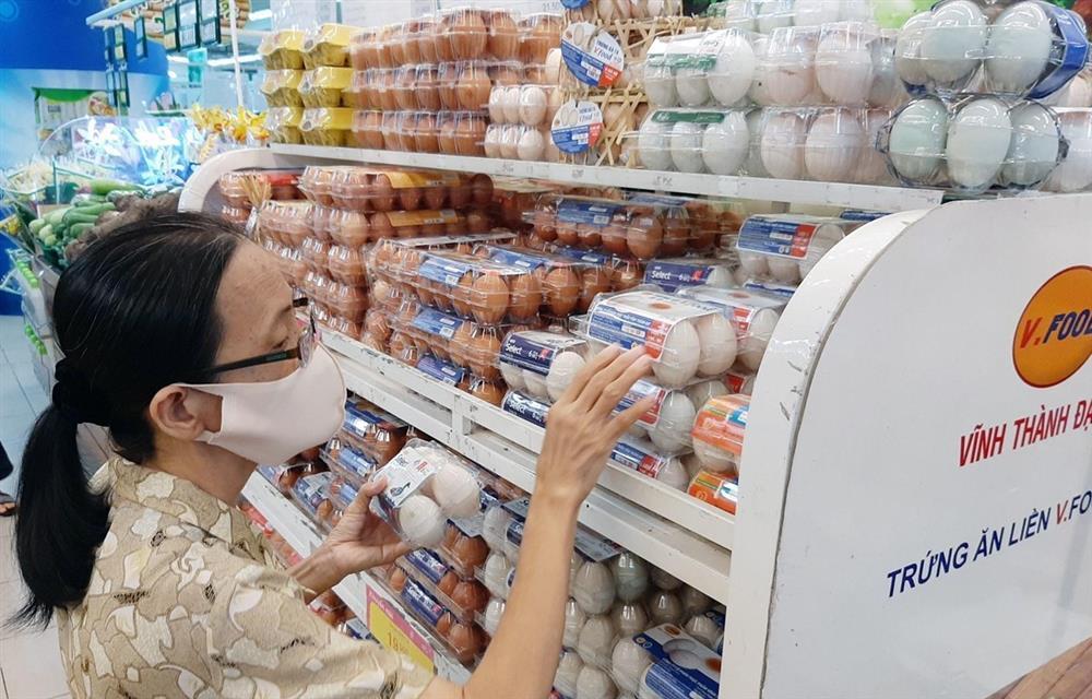 Người nghèo mới xài nhiều trứng, tôi không đồng ý tăng giá-1