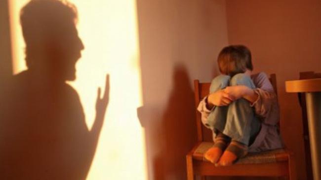 Sự khác biệt giữa những đứa trẻ thường xuyên bị la mắng và không bị la mắng, bố mẹ cần chú ý-1
