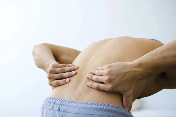 3 dấu hiệu bất thường ở vùng lưng cho thấy tế bào ung thư gõ cửa, mong rằng bạn không có triệu chứng nào-2