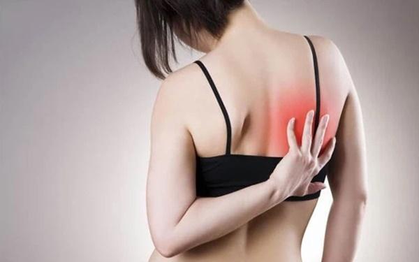 3 dấu hiệu bất thường ở vùng lưng cho thấy tế bào ung thư gõ cửa, mong rằng bạn không có triệu chứng nào-3