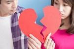 Rảnh rỗi giả nick người yêu cũ của bạn trai để thử lòng và cái kết lững lờ dọa chia tay gây tranh cãi: Tại anh hay tại ả?