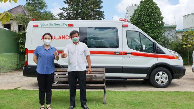 Giao xe cứu thương 2,55 tỷ cho ông Đoàn Ngọc Hải, NS Việt Hương phải lên tiếng cực căng vì bị chỉ trích nặng nề-1