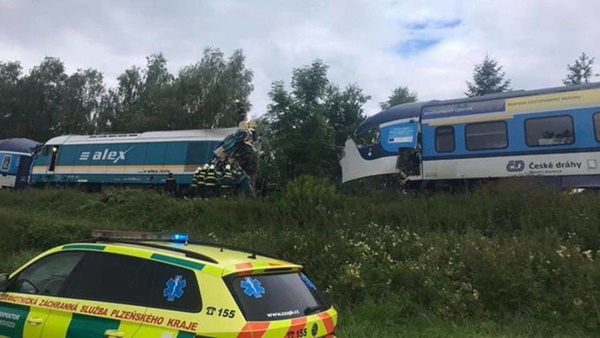 Trên 50 người thương vong trong vụ tai nạn tàu hỏa nghiêm trọng ở Cộng hòa Séc-3