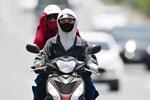 Nắng nóng kinh hoàng và kéo dài nhiều ngày ở miền Bắc, Hà Nội như 'chảo lửa' nền nhiệt cao nhất 38 độ C