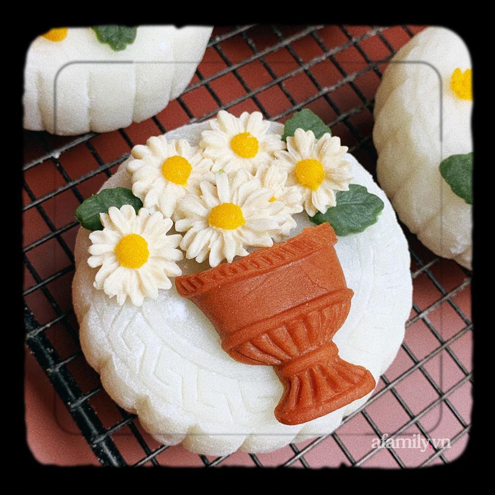 Bỏ việc lương cao, bà mẹ trẻ 9x khởi nghiệp với công việc làm bánh handmade-5