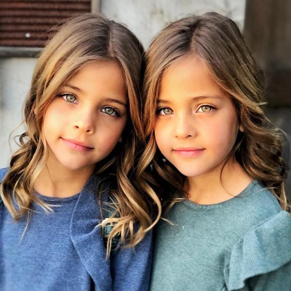 """2 chị em từng được mệnh danh là cặp song sinh xinh đẹp nhất thế giới"""", được săn đón khi mới 6 tháng tuổi bây giờ ra sao?-2"""
