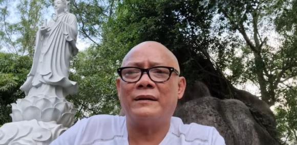 Nghệ sĩ Tấn Hoàng bất ngờ cạo đầu và ăn chay, tiết lộ lý do khiến dân mạng ngỡ ngàng-4