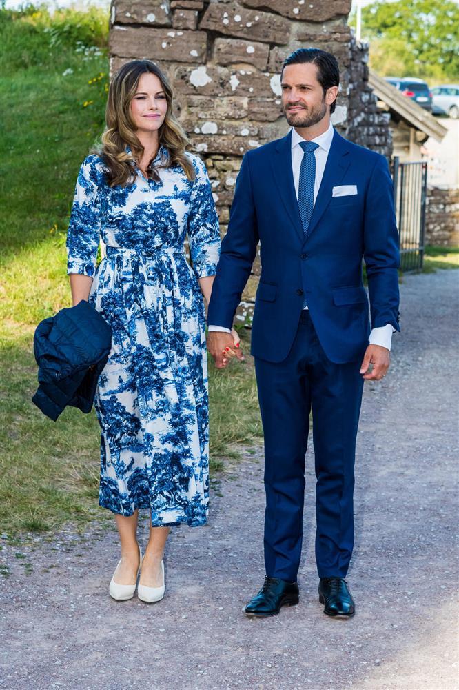 2 nhân vật Hoàng gia: Nhan sắc xấu lạ, nhưng phong cách thời trang thì đỉnh bậc nhất-19