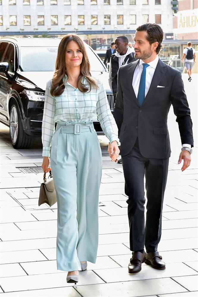 2 nhân vật Hoàng gia: Nhan sắc xấu lạ, nhưng phong cách thời trang thì đỉnh bậc nhất-20
