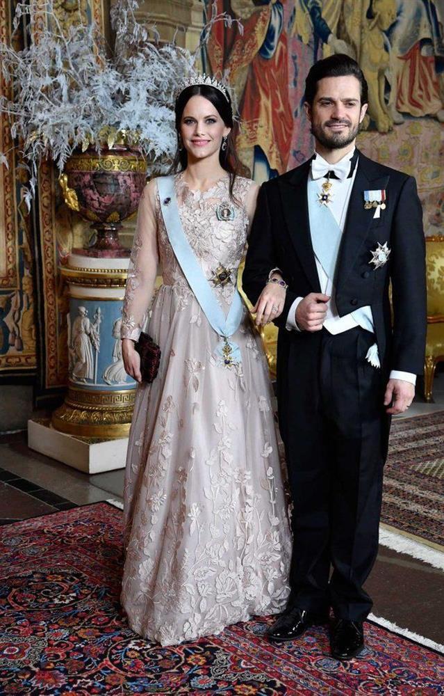 2 nhân vật Hoàng gia: Nhan sắc xấu lạ, nhưng phong cách thời trang thì đỉnh bậc nhất-24