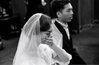 Nhân lúc cô dâu vắng mặt, phù dâu bí mật đưa chú rể một phong bao màu đỏ, sau khi mở ra anh này ngay lập tức hủy hôn