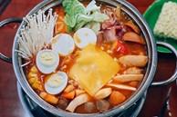 Mê ẩm thực Hàn Quốc, chị em bỏ túi ngay cách làm lẩu tokbokki cay nồng, chuẩn vị không thua gìnhà hàng