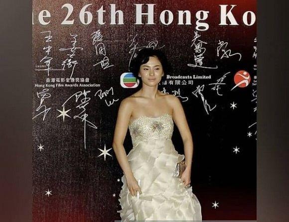 Khoảnh khắc thời trang mà đời này Song Hye Kyo không bao giờ muốn nhớ lại-2
