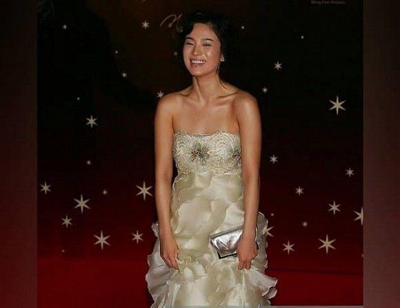 Khoảnh khắc thời trang mà đời này Song Hye Kyo không bao giờ muốn nhớ lại-4