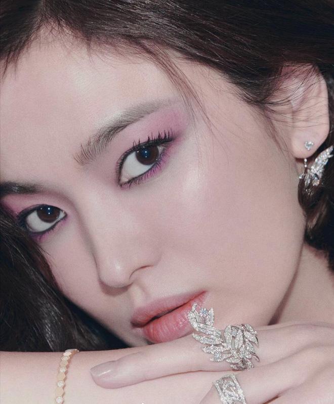 Khoảnh khắc thời trang mà đời này Song Hye Kyo không bao giờ muốn nhớ lại-5