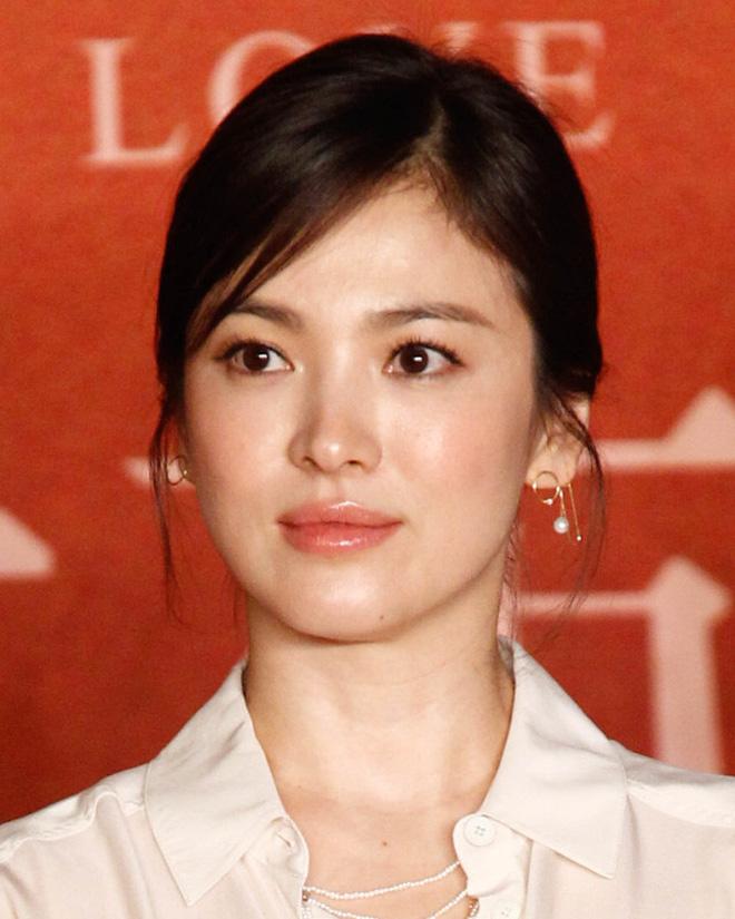 Khoảnh khắc thời trang mà đời này Song Hye Kyo không bao giờ muốn nhớ lại-7