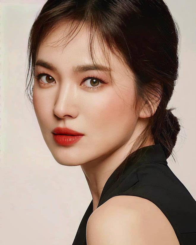 Khoảnh khắc thời trang mà đời này Song Hye Kyo không bao giờ muốn nhớ lại-8