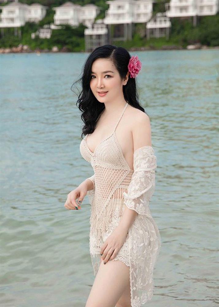 Chiêm ngưỡng nhan sắc mê hoặc lòng người của 5 nàng hậu Việt đình đám thập niên 90-8