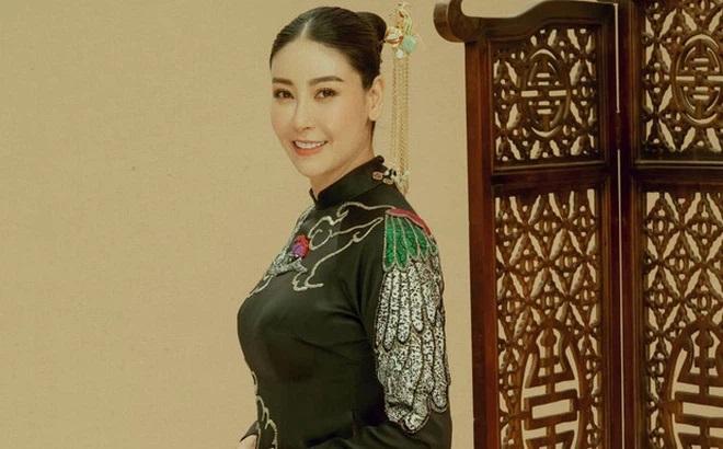 Chiêm ngưỡng nhan sắc mê hoặc lòng người của 5 nàng hậu Việt đình đám thập niên 90-19
