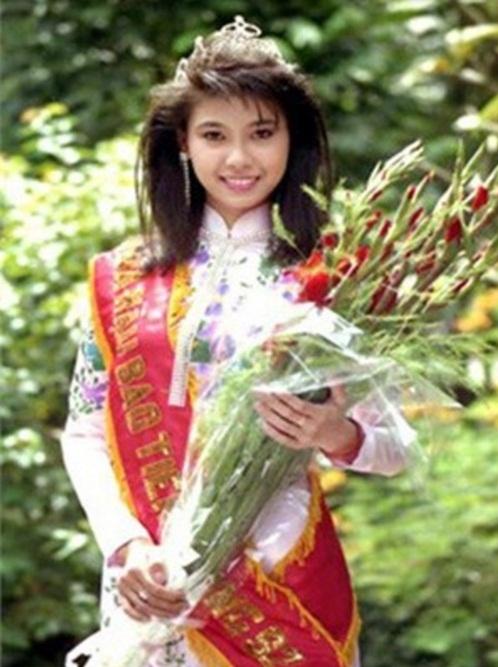 Chiêm ngưỡng nhan sắc mê hoặc lòng người của 5 nàng hậu Việt đình đám thập niên 90-15