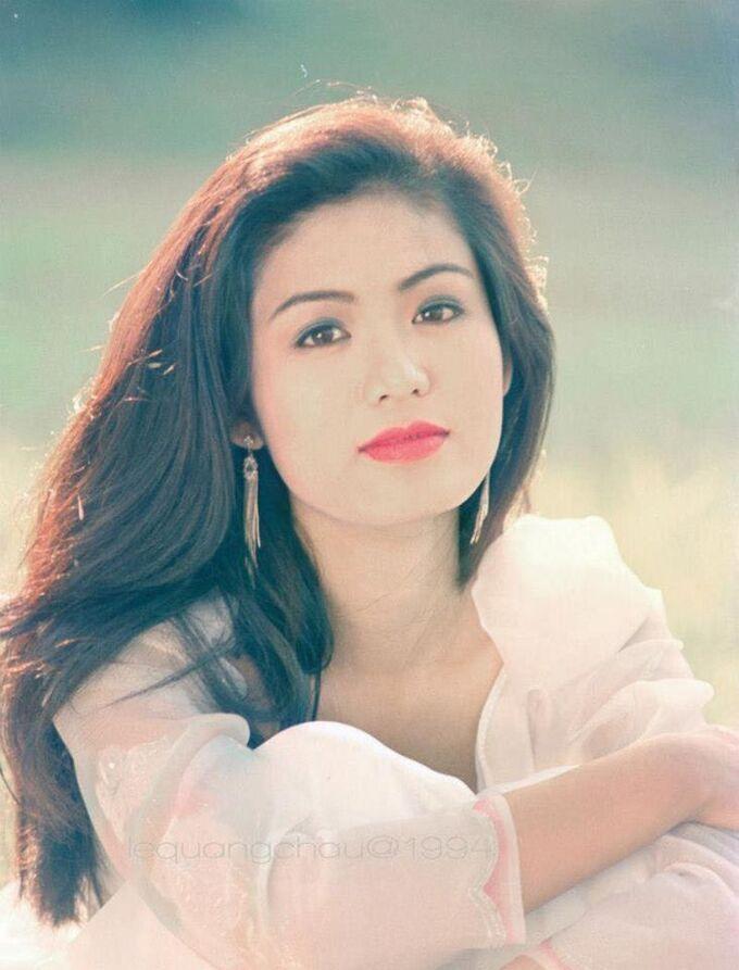 Chiêm ngưỡng nhan sắc mê hoặc lòng người của 5 nàng hậu Việt đình đám thập niên 90-23