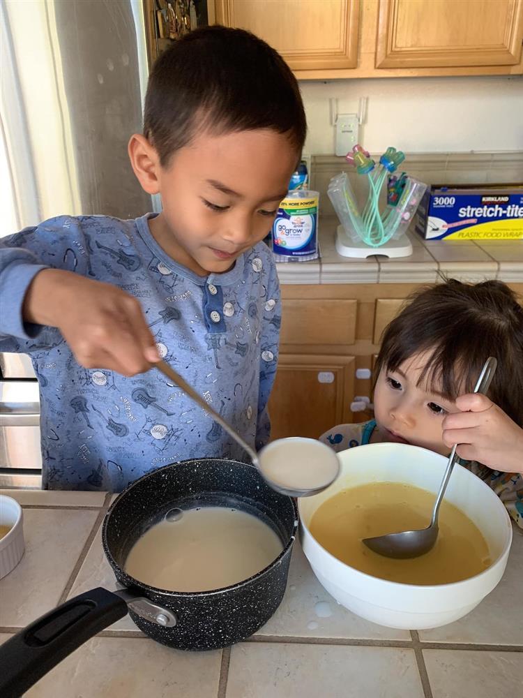 Cuộc sống của con trai Ngô Kiến Huy và em gái Thanh Thảo 10 năm sau scandal chấn động Vbiz-3