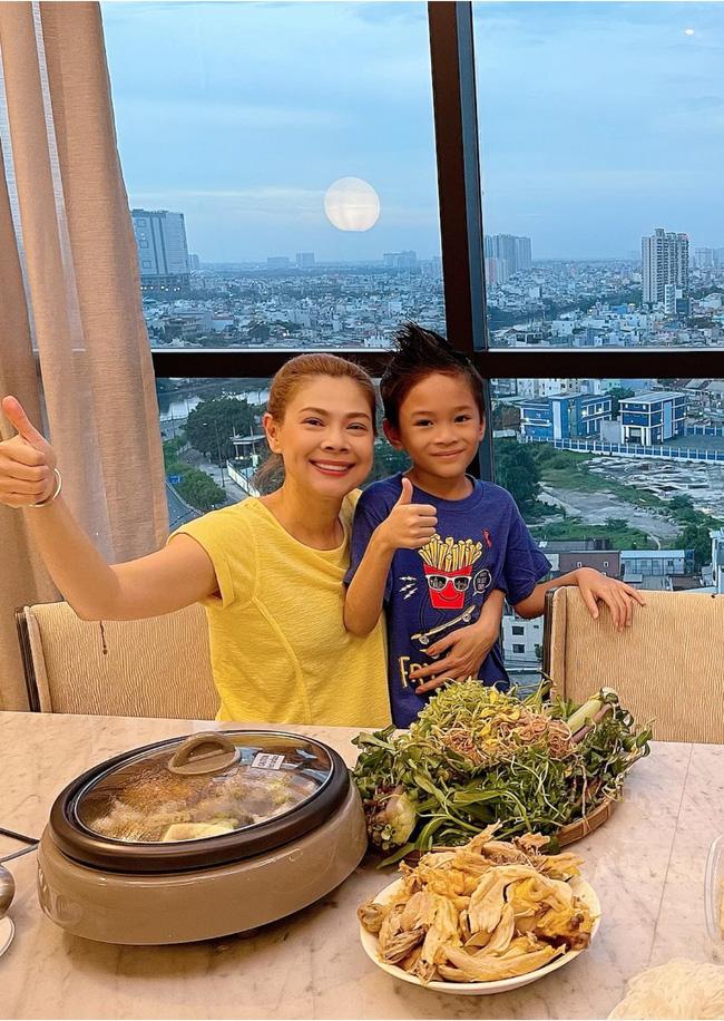 Cuộc sống của con trai Ngô Kiến Huy và em gái Thanh Thảo 10 năm sau scandal chấn động Vbiz-9