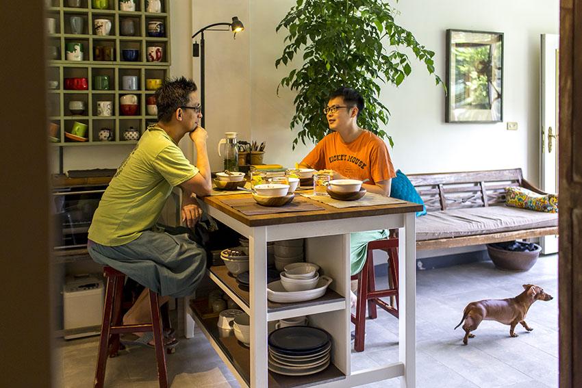 Cải tạo căn nhà tập thể cũ thành không gian nhỏ xinh ấn tượng đến bất ngờ-6