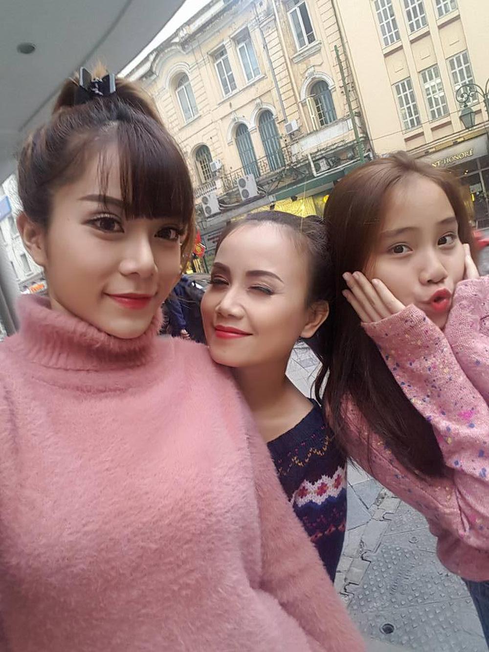 """Con gái diễn viên Hoàng Yến gây ngỡ ngàng khi khen mẹ giỏi"""" vì lấy được 4 đời chồng-1"""